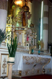 2004 Pilgrimage-Main Altar at St. Francis-Xavier