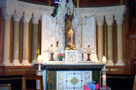Side Altar Ste. Anne de Beaupre
